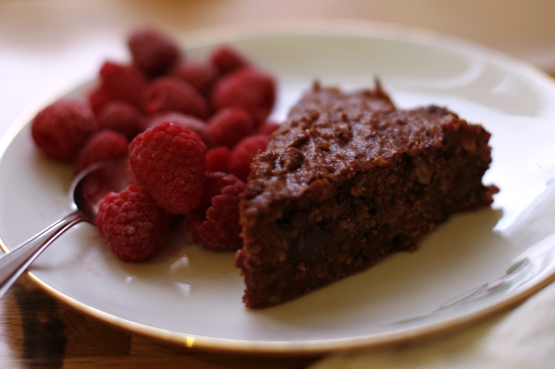 Chocolate_cake_small