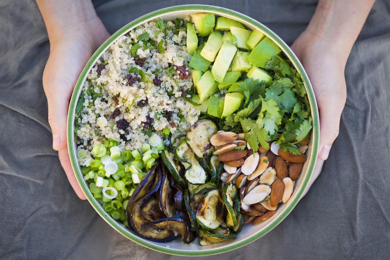 Moroccan_quinoa_salad.jpg