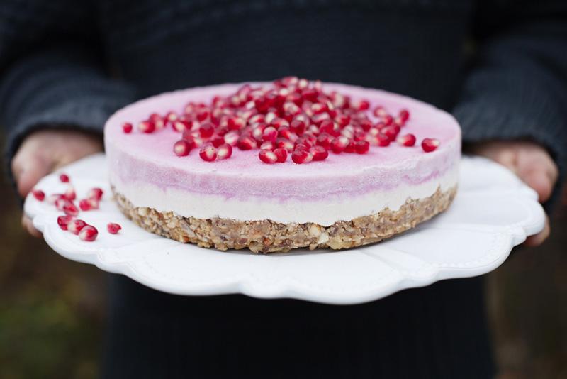 Green Kitchen Stories » alt_gks_pomegranate_cashewcake