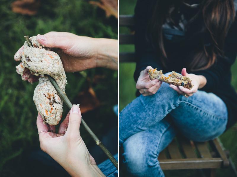 Autumn_plum_stick_bread_08