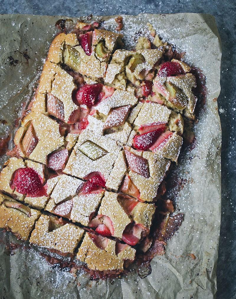 Rhubarb_jam_cake