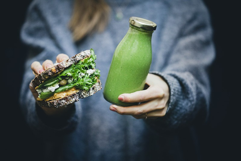 Green Peanut Butter Sandwich + Smoothie