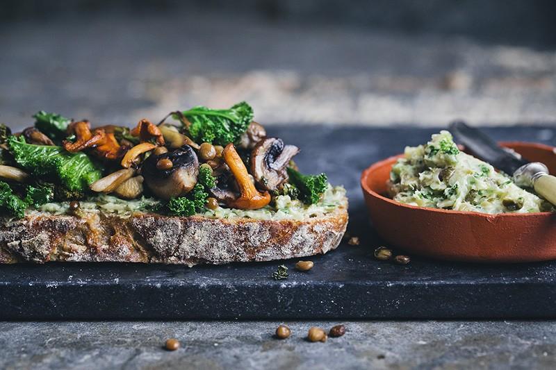 Sourdough_Mushroom_Sandwich_01